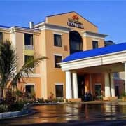 Holiday Inn Express Suites Lake Okeechobee