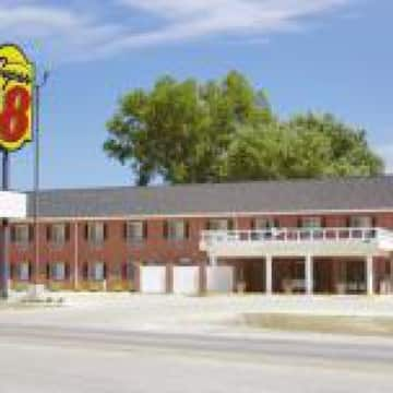 Super 8 Sheldon Hotel