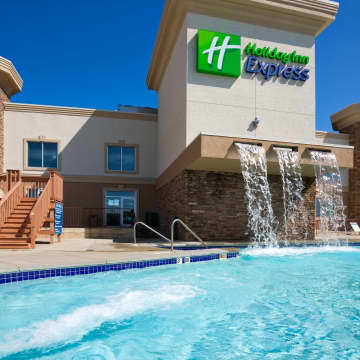 Holiday Inn Express Wisconsin Dells Hotel
