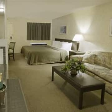 Quality Inn Suites 1000 Islands Hotel