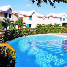 Grand Appartement T2 Avec Piscine Et Parking En Guadeloupe à Sainte Anne