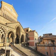 Amalfi Central House