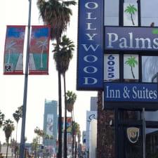 Hollywood Palms Inn & Suites