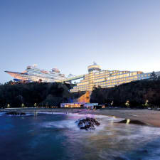 Sun Cruise Resort And Yacht