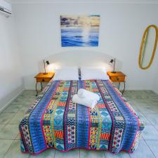 Agnes Palms Beachside Apartments