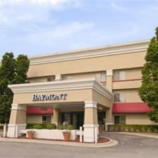 Baymont Inn & Suites Grand Rapids Airport