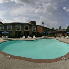 Days Inn And Suites Hickory