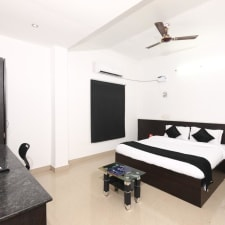 OYO 5328 Cloud 7 Serviced Apartements