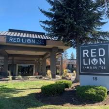 Red Lion Inn & Suites Deschutes River Bend
