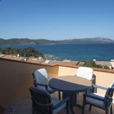 Elegant Apartment Overlooking The Sea, Porto Rotondo
