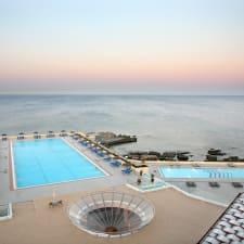 Hotel Eden Roc Resort