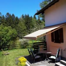 ruhiges, aber zentral gelegenes Ferienhaus am Ortsrand, Schloss/Stadt/Seenähe