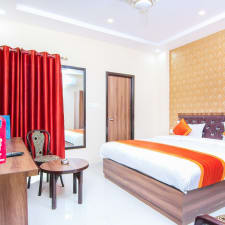 OYO 13233 Lucknow Grand Inn