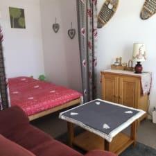 eingerichtete Zimmer im Herzen eines hübschen Dorf Haut-Doubs