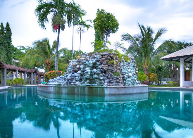 Resort China Sea Beach Bauang