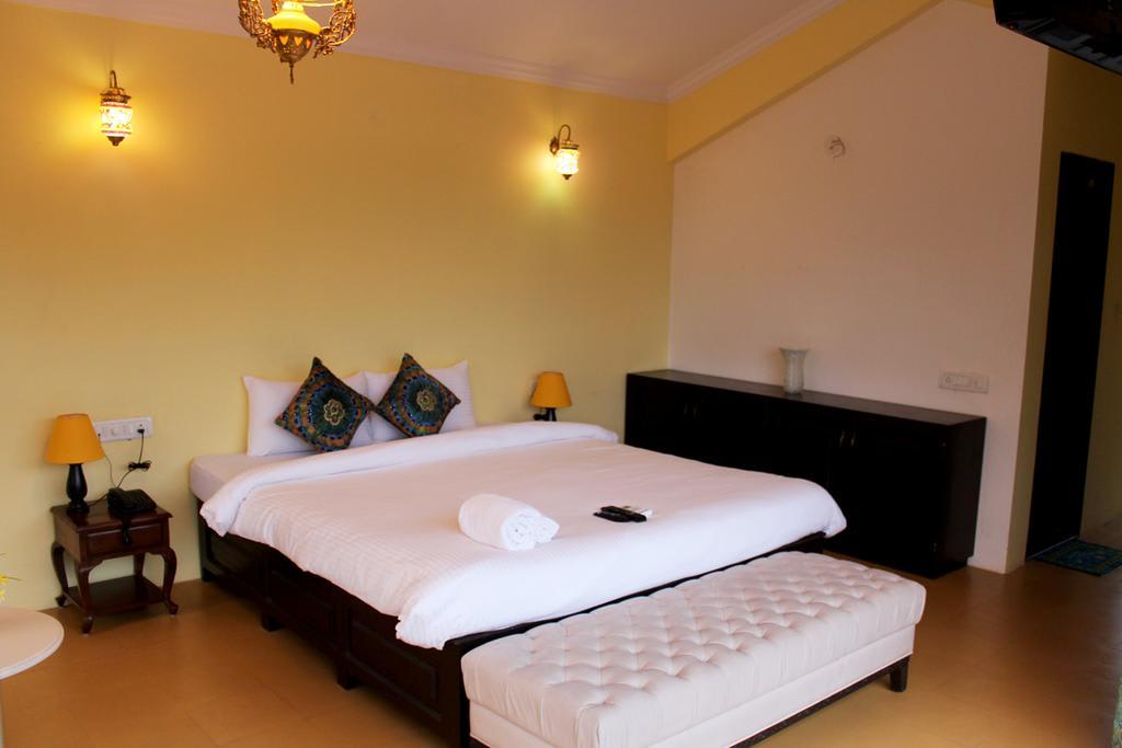 regarder 0d7b4 5b237 House / Apartment Waves Boutique, Ratnagiri - trivago.co.uk