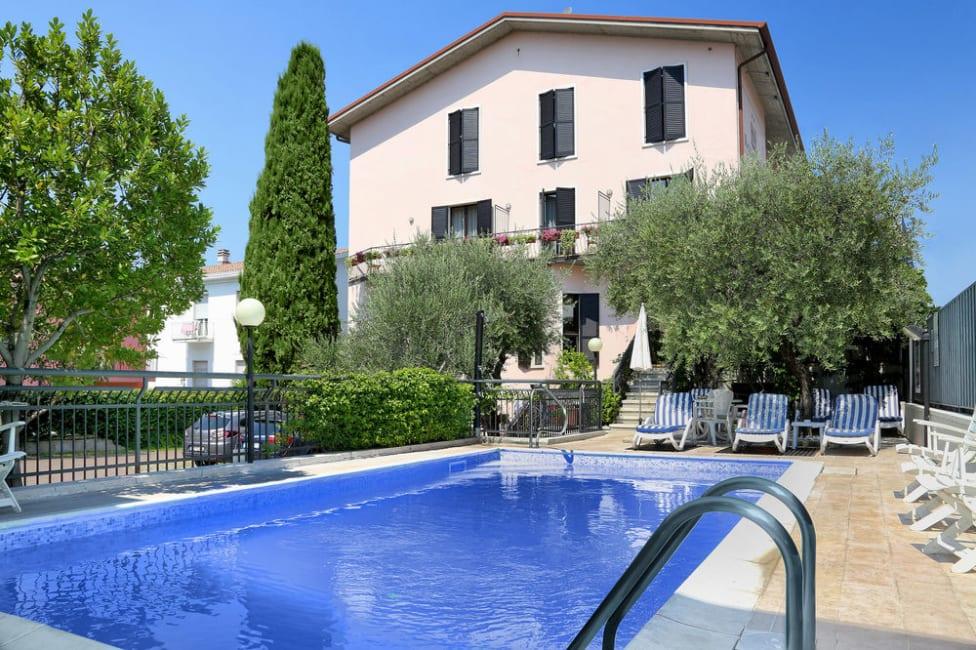 Hotel In Bardolino Santa Maria Trivagode