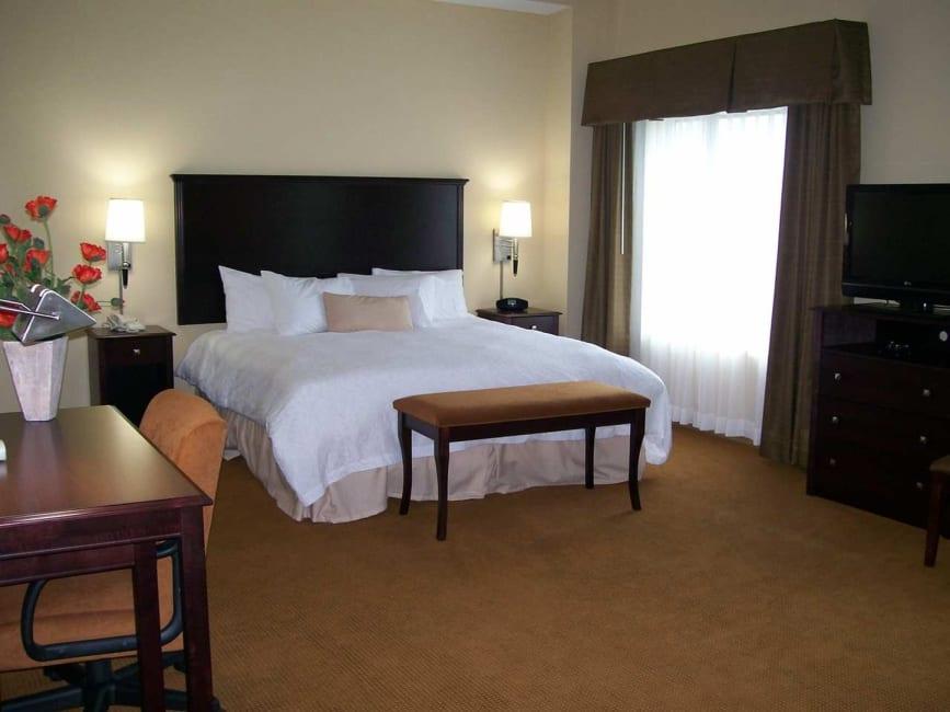 Serviced Apartment Hampton Inn Suites Rogers Trivago