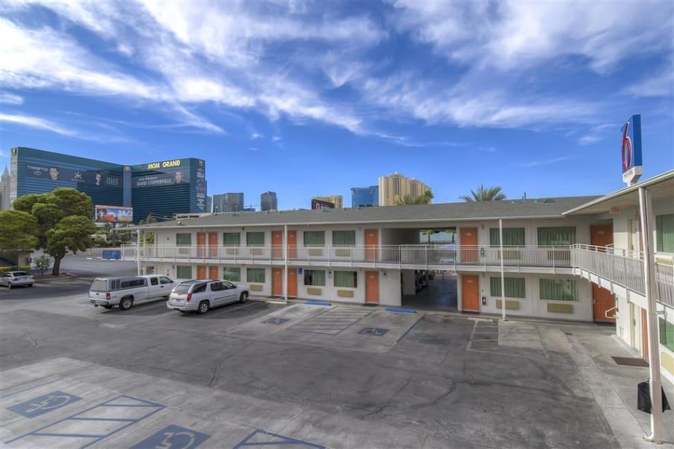 Motel Motel 6 Las Vegas Tropicana, Las Vegas - trivago.com